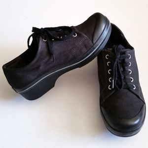 Dansko Veda Black Canvas Lace Up Clogs
